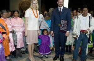 Mette-Marit et Haakon de Norvège ont adopté une petite... Mexicaine avant de déjeuner avec le président Calderon (réactualisé)