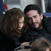 PSG-OM : Isabelle Huppert ravie avec son fils Lorenzo, Nabilla et Thomas câlins