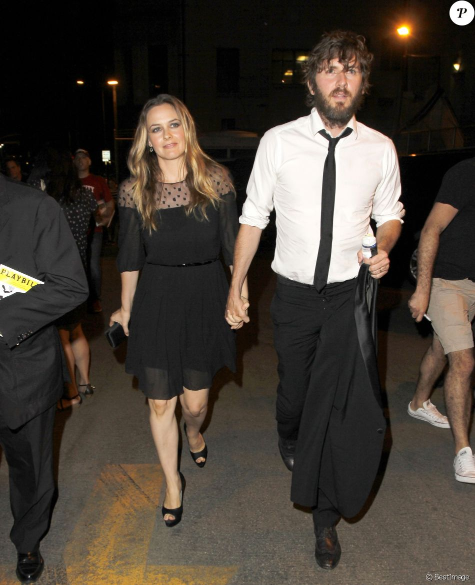 Alicia Silverstone et Christopher Jarecki - Première du film The Book of Mormon le 12 septembre 2012 à Hollywood