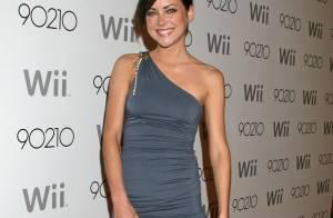 Les plus jolies filles de 90210 font le show, encore un nouveau festival de... très belles gambettes !