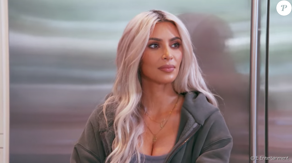 Elle expose ses souvenirs sexy du Japon — Kim Kardashian