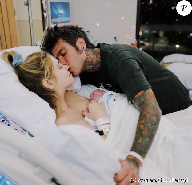 Chiara Ferragni, son fiancé Fedez et leur fils, Leone. Mars 2018.