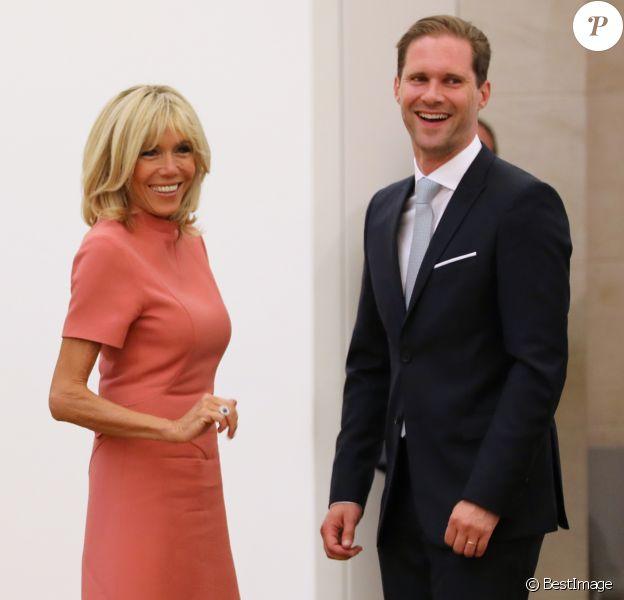 Brigitte Macron, Gauthier Destenay (le mari de Xavier Bettel, le Premier ministre du Luxembourg) - Visite du musée d'art moderne Grand-Duc Jean (MUDAM) à Luxembourg, le 29 août 2017.