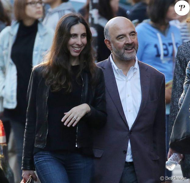 Exclusif - Pierre Moscovici et sa femme Anne-Michelle Bastéri dans le quartier de St Germain-des-prés à paris le 19 septembre 2015