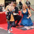 Ryan Reynolds avec sa femme Blake Lively et leurs filles James et Ines pour recevoir son étoile sur le Walk of Fame à Hollywood, le 15 décembre 2016