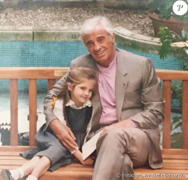 Annabelle Belmondo a posté cette photo d'archive avec son grand-père Jean-Paul Belmondo sur Instagram le 9 avril 2018 pour son 85e anniversaire.