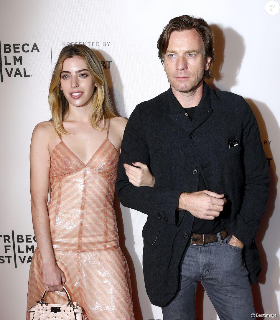 """Ewan McGregor et sa fille Clara à l'avant-première de """" Zoe """" au Tribeca Film Festival à New York, le 21 avril 2018."""