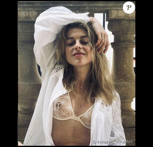 Victoria Monfort a partagé ce cliché sexy pris pour la marque Vanity Fair, sur Instagram. Avril 2018