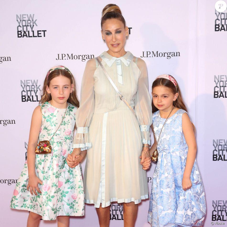 Sarah Jessica Parker avec ses jumelles Marion et Tabitha au gala du New York City Ballet au Lincoln Center à New York le 3 mai 2018