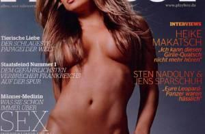 Carmen Electra s'effeuille à nouveau dans Playboy... pour notre plus grand plaisir!