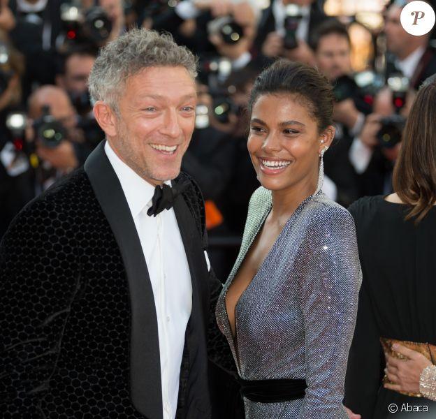 Vincent Cassel et Tina Kunakey lors de la montée des marches de 'Girls Of The Sun (Les Filles Du Soleil)' au Festival de Cannes, le 12 mai 2018.