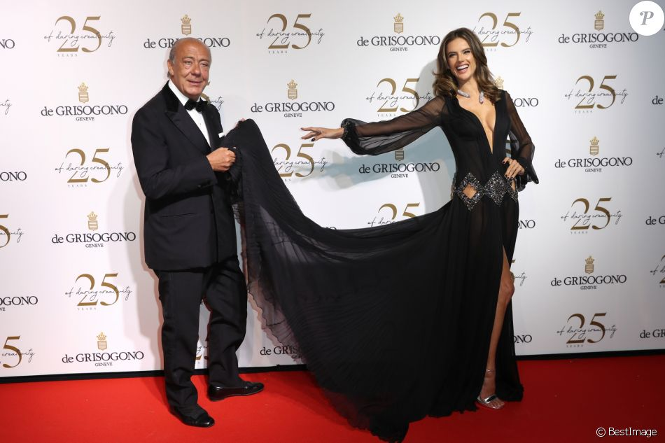 Alessandra Ambrosio et Fawaz Gruosi lors du photocall de la soirée du 25ème anniversaire de De Grisogono en marge du 71ème festival international du film de Cannes à Antibes le 15 mai 2018 © Borde / Jacovides / Moreau / Bestimage