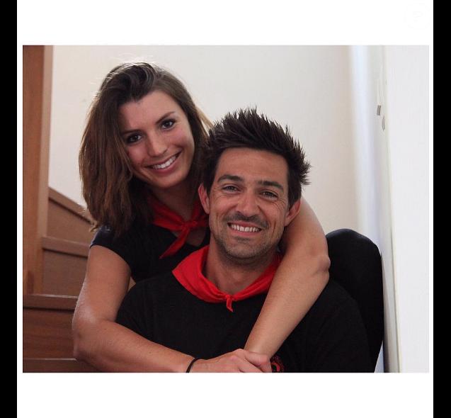 Le comédien Jean-Pascal Lacoste est heureux de sa nouvelle vie dans le sud de la France. Juillet 2016. Il prend la pose ici avec sa chérie Delphine.