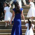 Kate Middleton et Jessica Mulroney (robe bleue) arrivent à la chapelle St. George avec lespageboys (jeunes pages) et flowergirls (porteuses de fleurs) pour le mariage du prince Harry et de Meghan Markle au château de Windsor, samedi 19 mai 2018