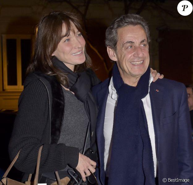 Carla Bruni quitte la salle de concert ou elle se produisait et rentre à son hôtel avec son mari Nicolas Sarkozy à Madrid le 10 janvier 2018.