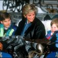 Diana, princesse de Galles et ses fils William et Harry à Lech. Mars 1993.