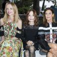 Delphine Arnault, Isabelle Huppert et Marina Foïs - Front row au défilé de la collection croisière Louis Vuitton 2019 dans les jardins de la fondation d'art Maeght à Saint-Paul-De-Vence, France, le 28 mai 2018.