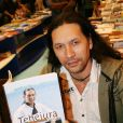 L'aventurier Teheiura au Salon du livre à Paris le 22 mars 2015.