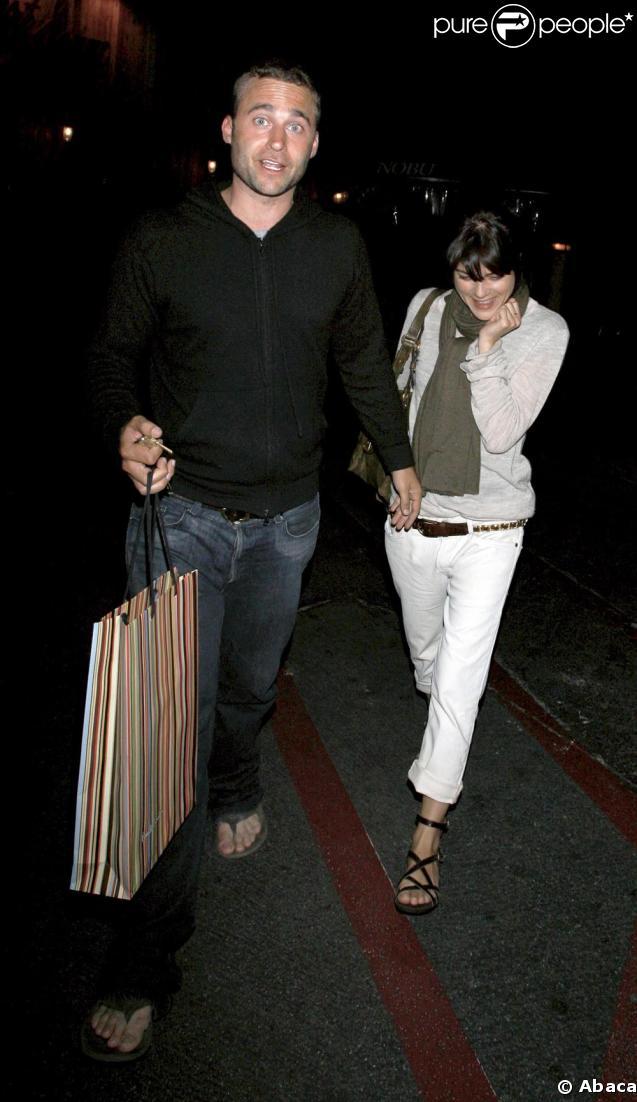 Selma Blair et son amoureux Mickey à la sortie du restaurant Nobu à Los Angeles