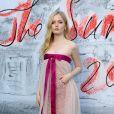 """Ellie Bamber - Photocall de la soirée """"The Serpentine Summer Party"""" dans les jardins de Kensington à Londres. Le 19 juin 2018"""