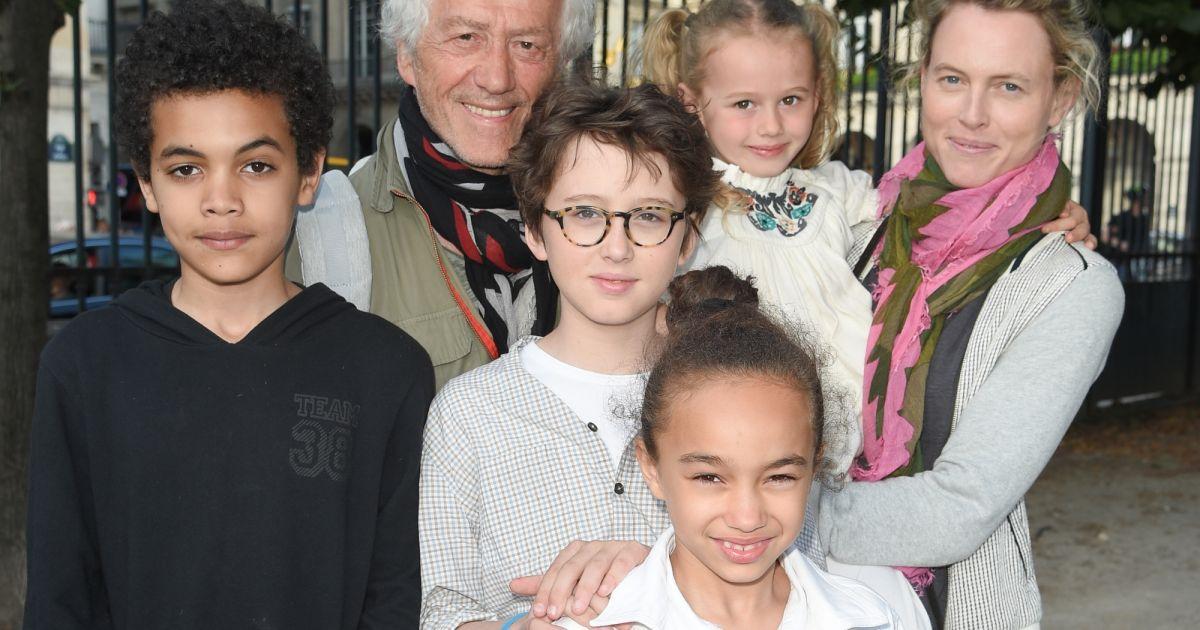 Jean luc moreau et sa femme mathilde p nin avec leurs enfants soir e d 39 inauguration de la - Alexandre jardin et sa femme ...