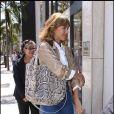Jessica Alba arrive chez Tod's. 16/04/09