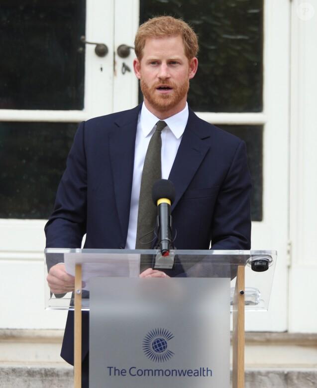 """Le prince Harry, à la réception du """"Your Commonwealth Youth Challenge"""" au Marlborough House à Londres, le 5 juillet 2018."""