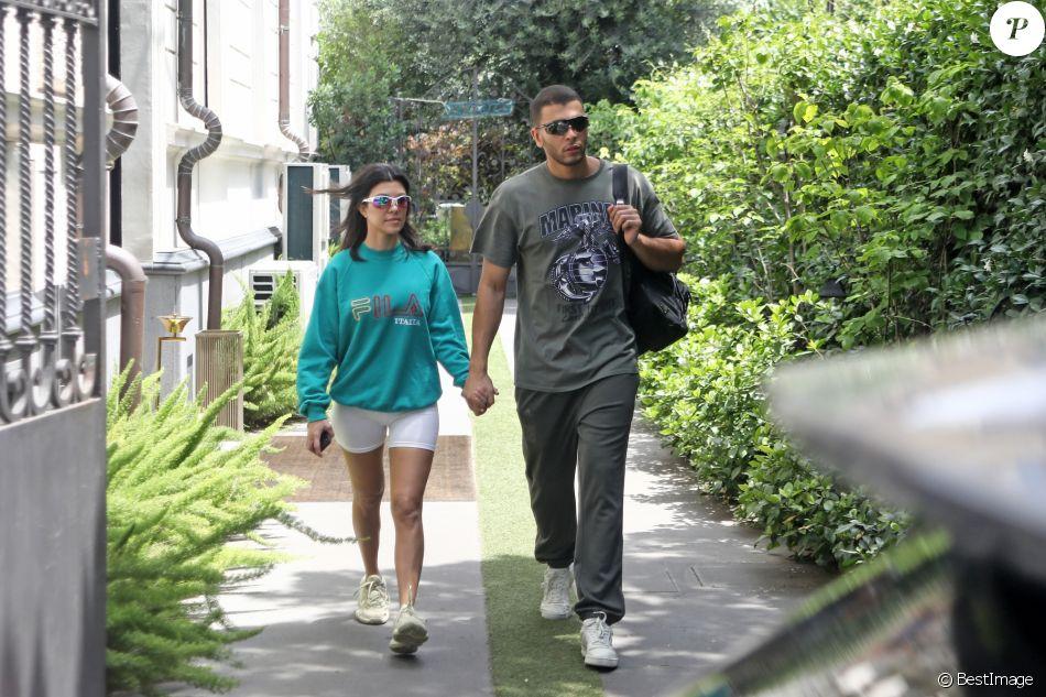 kourtney kardashian et son compagnon younes bendjima se prom nent en amoureux rome le 21 juin. Black Bedroom Furniture Sets. Home Design Ideas