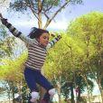 Luna, la fille de Jérôme Bertin, fait du roller - Instagram, 5 avril 2014