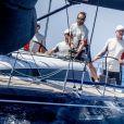 Le roi Felipe VI d'Espagne lors de la 37e Copa del Rey à bord de son bateau Aifos à Palma de Majorque le 30 juillet 2018