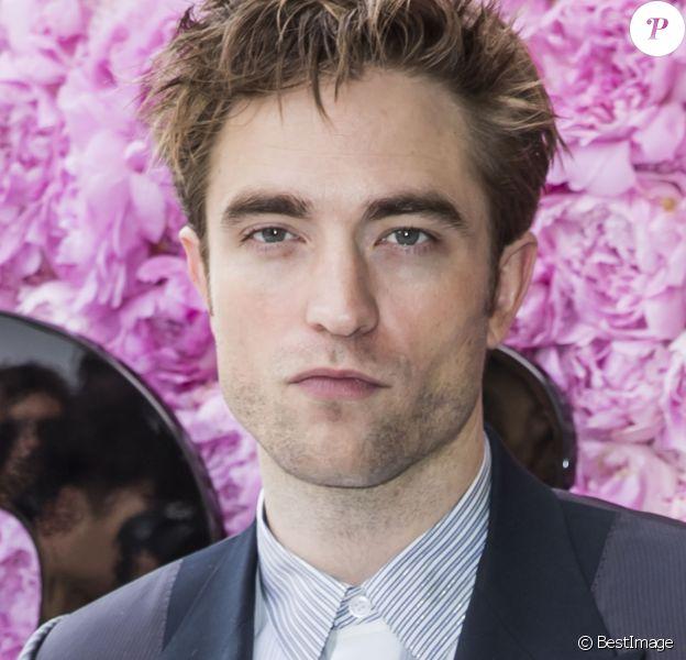 Robert Pattinson - Photocall du défilé de mode Dior Homme collection Printemps-Eté 2019 à la Garde Républicaine lors de la fashion week à Paris, le 23 juin 2018. © Olivier Borde/Bestimage