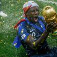 Benjamin Mendy - L'équipe de France célèbre son deuxième titre de Champion du Monde sur la pelouse du stade Loujniki après leur victoire sur la Croatie (4-2) en finale de la Coupe du Monde 2018 (FIFA World Cup Russia2018 le 15 juillet 2018.