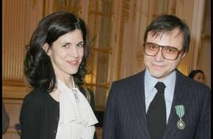 Bertrand Burgalat épinglé devant Valérie Lemercier, Philippe Manoeuvre, Arielle Dombasle et Jean-Paul Rouve venu en famille !
