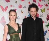 Jennifer Love Hewitt et son compagnon Jamie Kennedy, ils ne se quittent plus ! - Soirée LG Rumorous Night à Hollywood le 28 avril 2009