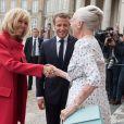 La première dame Brigitte Macron et le président Emmanuel Macron saluent la reine Margrethe II de Danemark au palais d'Amalienborg à Copenhague le 28 août 2018. © Jacques Witt / Pool / Bestimage