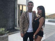 Cristiano Ronaldo câlin avec Georgina, en bikini échancré sur un bateau