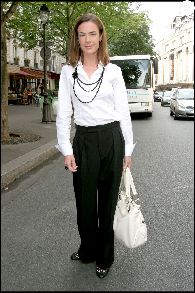 BENEDICTE DELMAS - MARIAGE DE JEAN PIERRE PERNAUT ET DE NATHALIE MARQUAY A L' EGLISE DES BILLETTES DANS LE 4 EME ARRONDISSEMENT DE PARIS 23/06/2007 - Paris