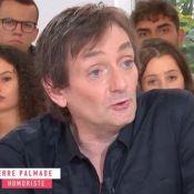 """Pierre Palmade, """"triste d'être homo"""", parle de son idylle avec Véronique Sanson"""