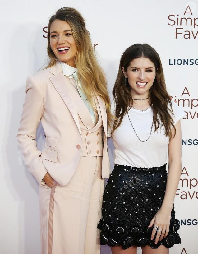 """Blake Lively, Anna Kendrick à la première de """"A Simple Favour"""" à Londres, le 17 septembre 2018."""