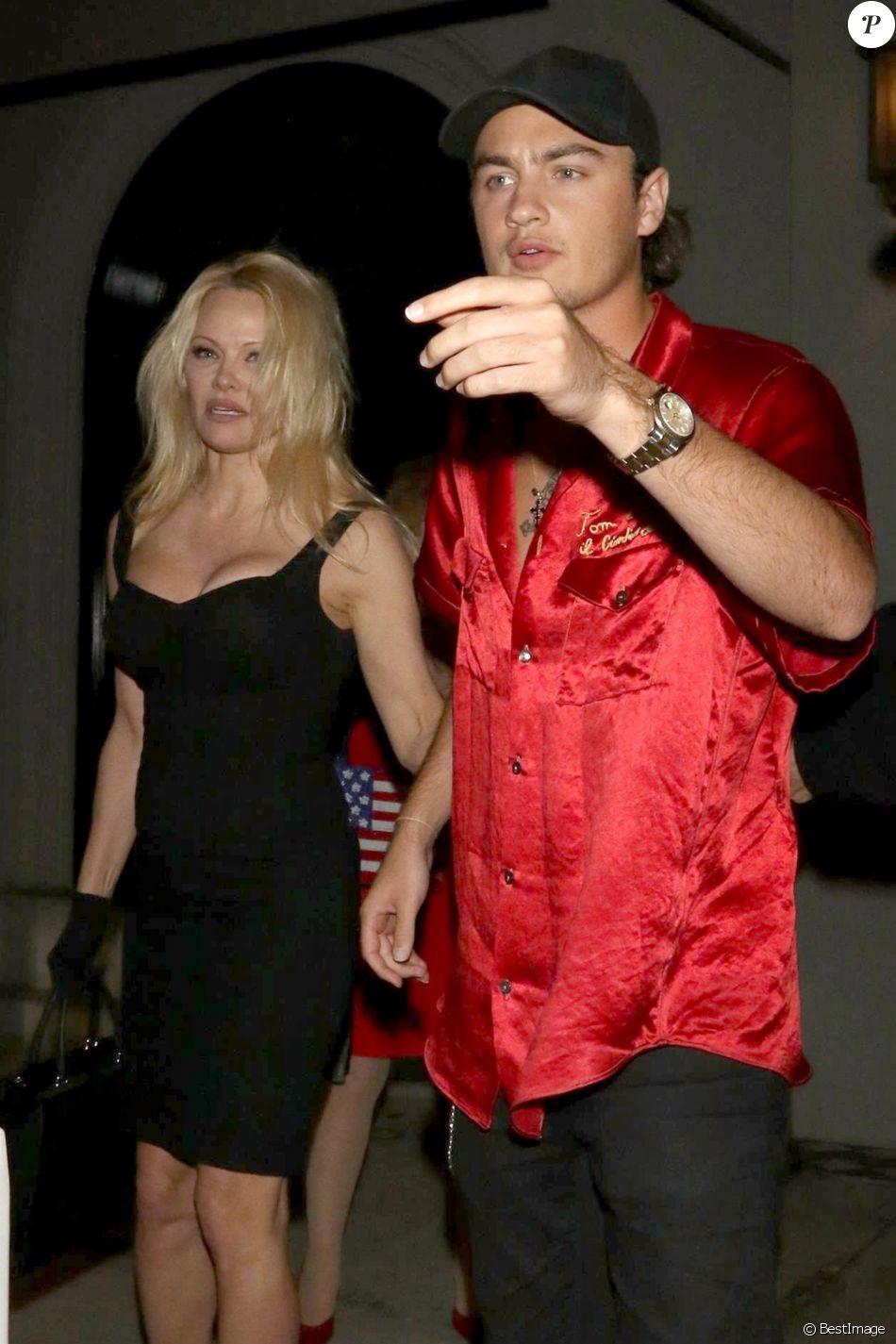 Pamela Anderson et son fils Brandon sont allés dîner au restaurant Craig à West Hollywood. Le 26 mars 2018.