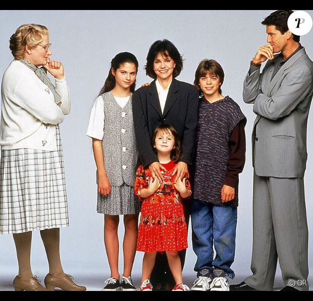"Pierce Brosnan dans le film ""Madame Doubtfire"" sorti en 1994."