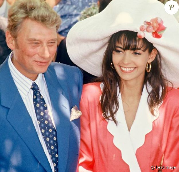 Premier mariage d'Adeline Blondieau et Johnny Hallyday à Ramatuelle, le 9 juillet 1990.