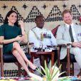 Le prince Harry, duc de Sussex, et Meghan Markle, duchesse de Sussex (enceinte), assistent à une cérémonie traditionnelle fidjienne à la dernière étape de leur voyage officiel aux Fidji, à Nadi, Fidji, le 25 octobre 2018.