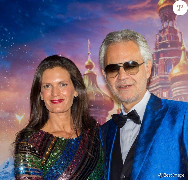 Andrea Bocelli et sa femme Veronica Berti Bocelli - Avant-première de Casse-Noisette et les Quatre Royaumes, à Milan. Le 16 octobre 2018