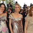 Asia Argento, Robin Wright et Isabelle Huppert montent les marches du Palais des festivals