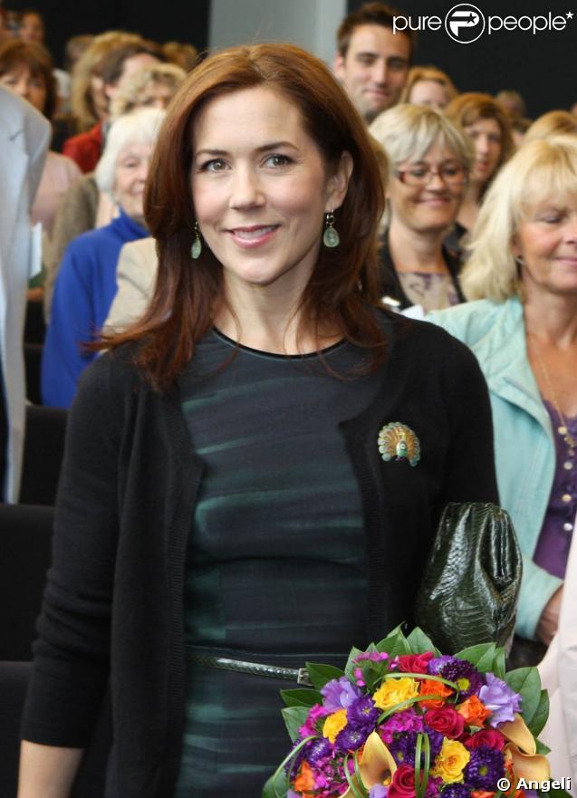 Mary de Danemark arrive à une conférence sur l'aphasie, à Copenhague