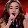 """Inès dans """"The Voice Kids 5"""" sur TF1, le 30 novembre 2018."""