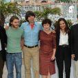 James Schamus, Emile Hirsch, Demetri Martin, Imelda Staunton, la productrice Celia Costa et le réalisateur Ang Lee lors du photocall de Taking Woodstock, le 16 mai 2009