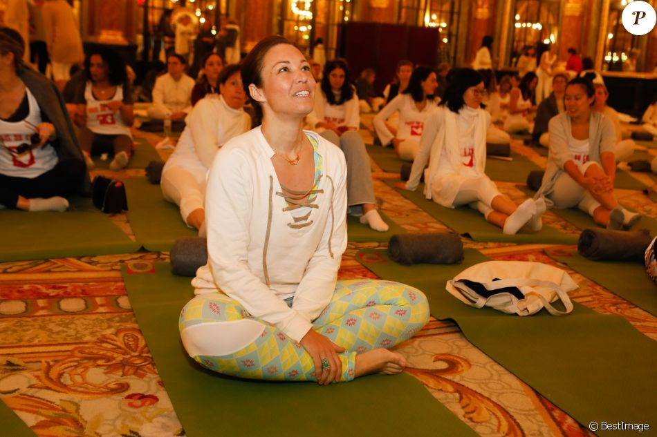 """Exclusif - Natasha St-Pier - 5ème Opération """"Yogis du Coeur"""" au profit de """"Mécénat Chirurgie Cardiaque"""" à l'hôtel InterContinental Hotel Paris Le Grand à Paris le 18 novembre 2018."""