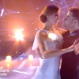 """Iris Mittenaere et Clément Rémiens dansent en couple pour la finale de """"Danse avec les stars 9"""" sur TF1, le 1er décembre 2018."""